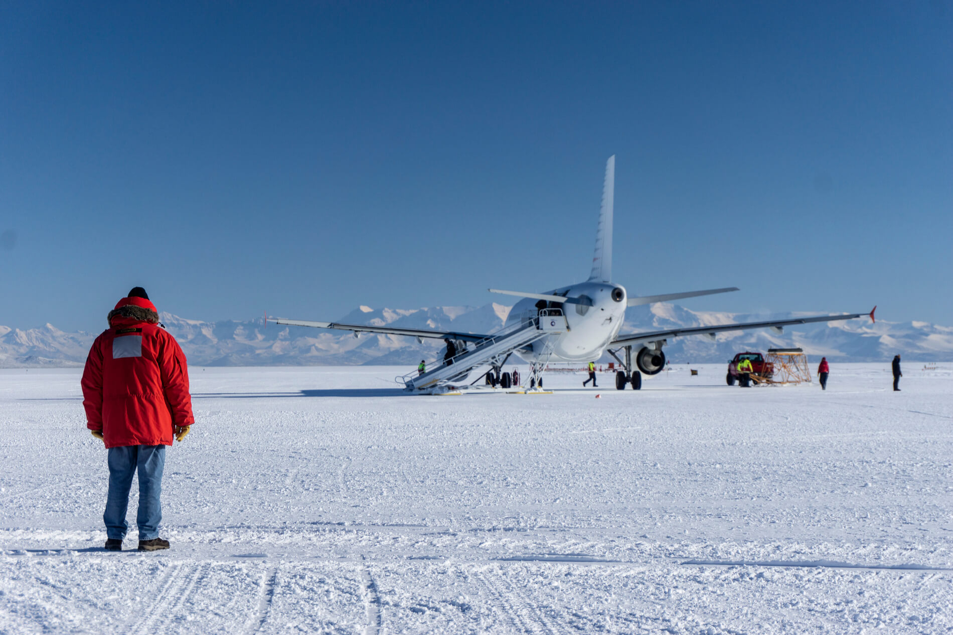 Antarctica airport project: plan and pushback